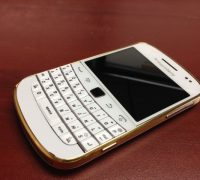 blackberry-9900-gold-6 thumb
