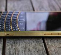 blackberry-9900-gold-7 thumb