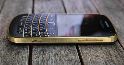 blackberry-9900-gold-7