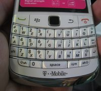 blackberry-bold-9700-white-fullbox-4 thumb
