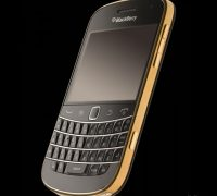blackberry-bold-9930-gold-7 thumb