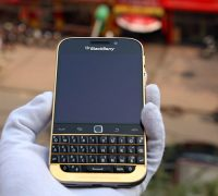 blackberry-classic-ma-vang-24k-5 thumb