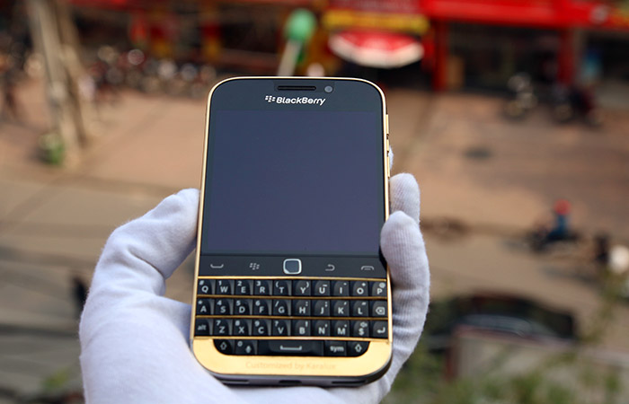 blackberry-classic-ma-vang-24k-5