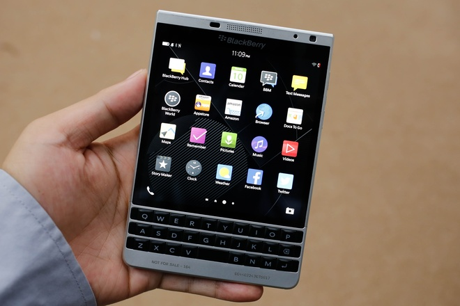 blackberry-passport-silver-edition-5
