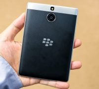 blackberry-passport-silver-edition-7 thumb
