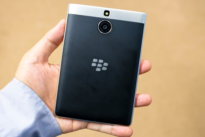 blackberry Passport-Silver-Edition