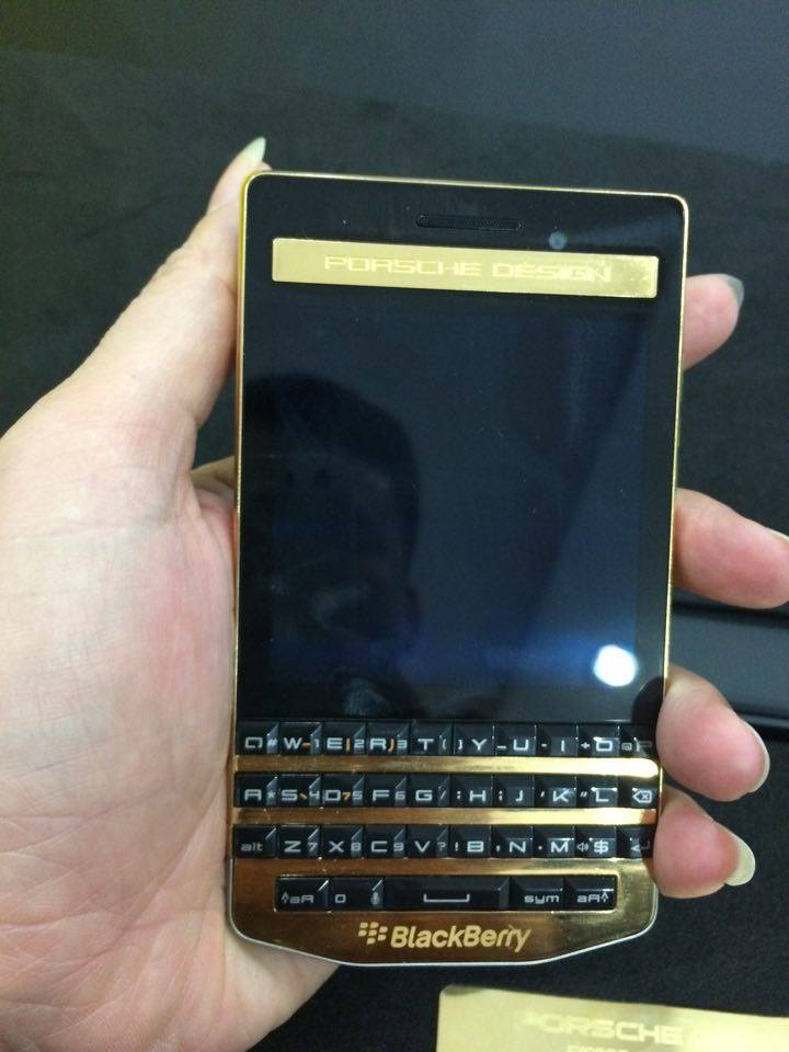 Blackberry porsche design p'9983 graphite gold