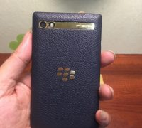 blackberry-porsche-design-p9983-graphite-gold-8 thumb