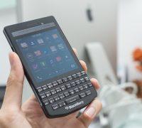 blackberry-porsche-design-p9983-graphite-likenew-6 thumb