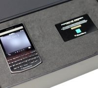 blackberry-porsche-design-p9983-lung-carbon-9 thumb