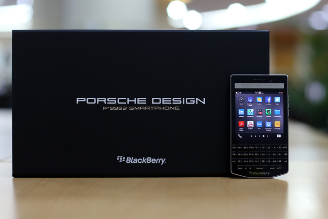 Blackberry Porsche 3