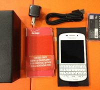 blackberry-q10-trang-no-bbm-ban-phim-qt-8 thumb
