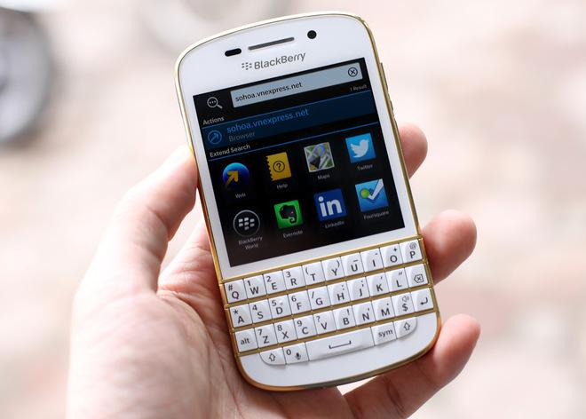 blackberry-q10-vo-gold-no-bbm-10
