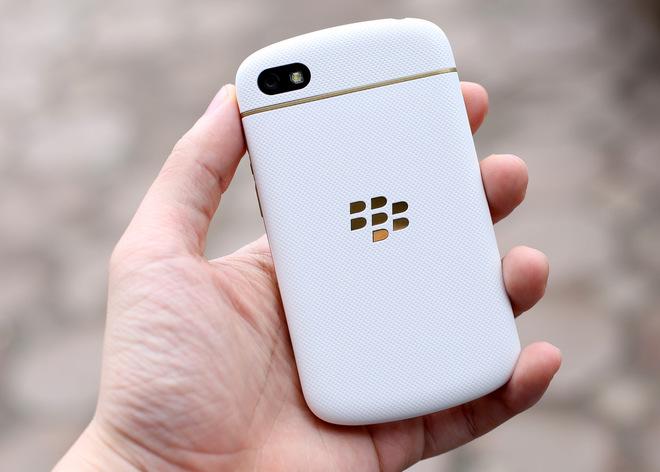 blackberry-q10-vo-gold-no-bbm-9