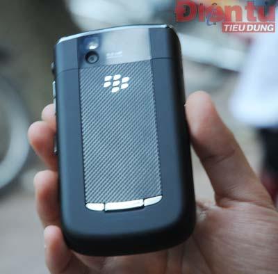 blackberry-tour-9630-10