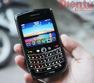 blackberry-tour-9630-9