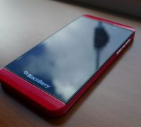 blackberry-z10-mau-do-2 thumb