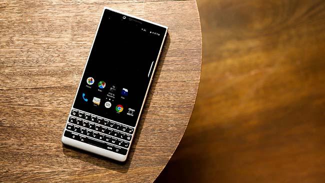 01-blackberry-key2-2