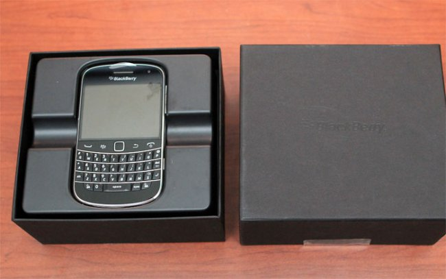blackberry-9900-fullbox-5