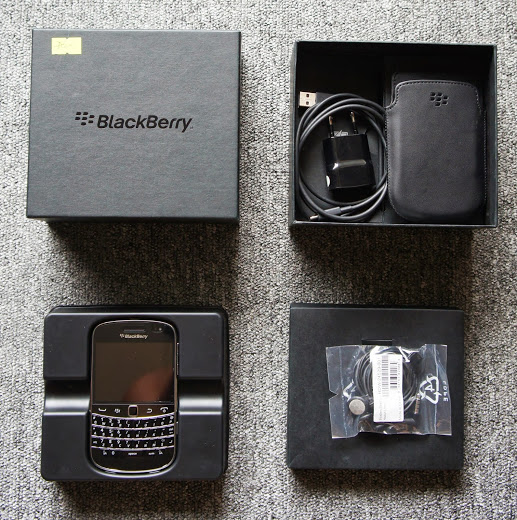 blackberry-9900-fullbox-6