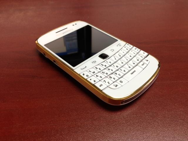 blackberry-9900-gold-8