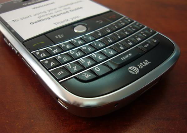 https://blackberryhanoi.vn/wp-content/uploads/2016/10/blackberry-bold-9000-black-2.jpg