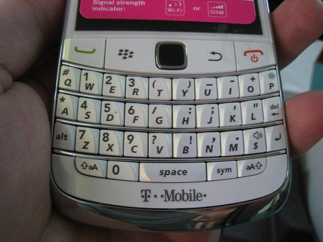 blackberry-bold-9700-white-fullbox-4