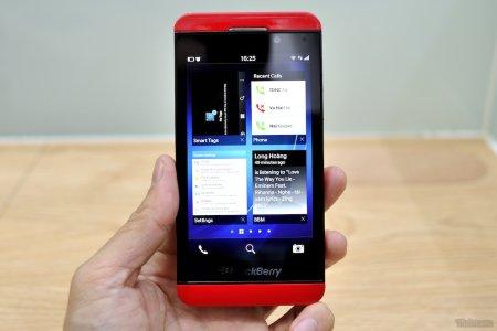 Blackberry z10 màu đỏ