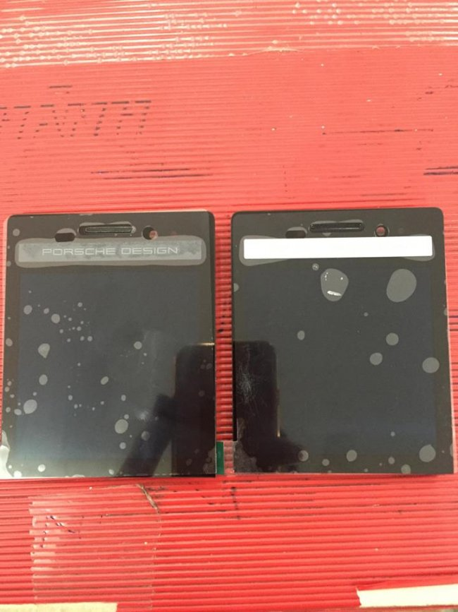 man-hinh-blackberry-porsche-design-p9983-6