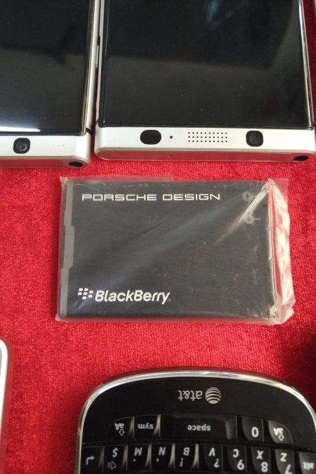 Pin Blackberry Porche P'9981 Chính Hãng